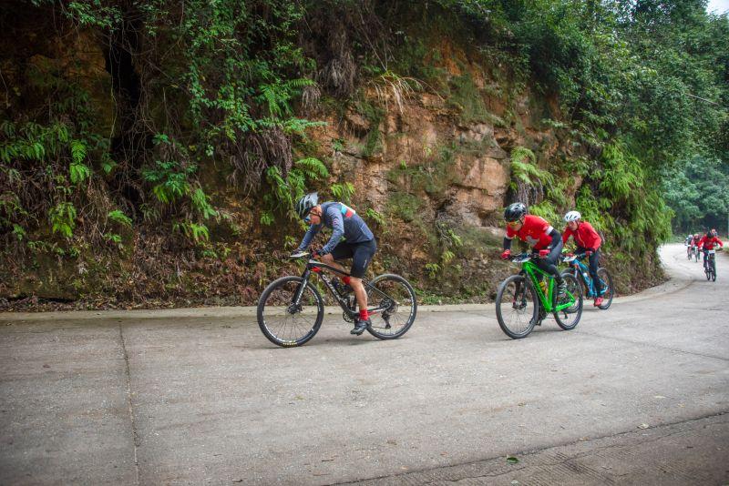 江西吉安:第六届运动会山地自行车赛开赛