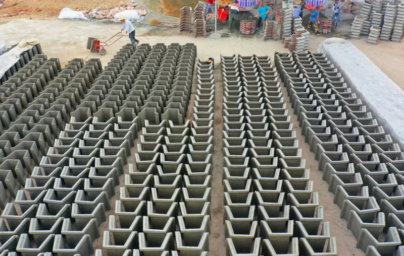 江西泰和:T型槽生产助力高标准农田建设